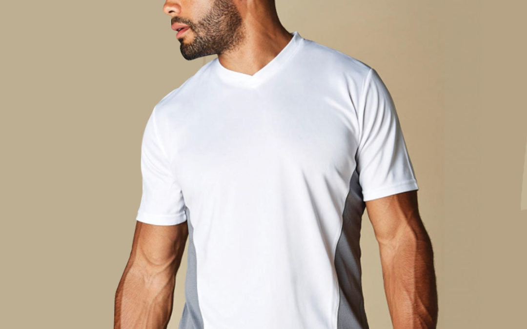 T-shirt uomo scollo a V Regular Fit Cooltex®
